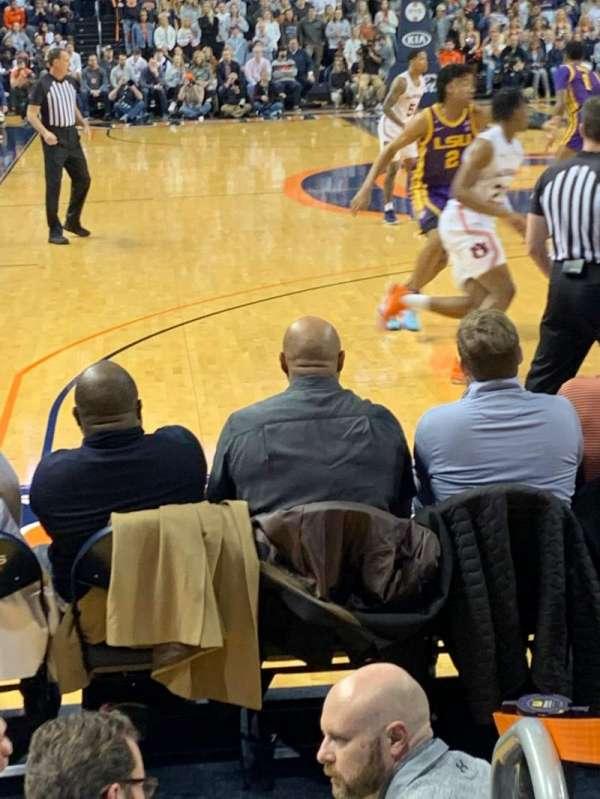 Auburn Arena, secção: D, fila: 6, lugar: 1