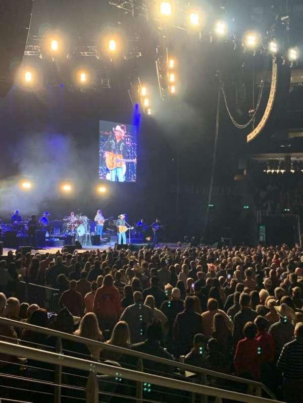 State Farm Arena, secção: 119, fila: FF, lugar: 17