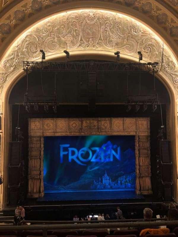 Paramount Theatre (Seattle), secção: Mezzanine 15, fila: A, lugar: 4