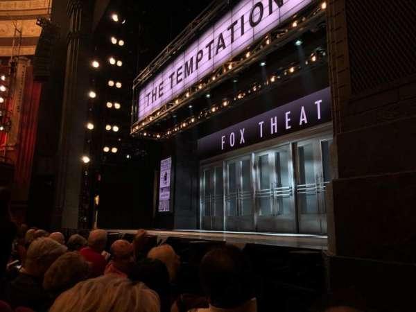 Imperial Theatre, secção: Orchestra R, fila: B, lugar: 14