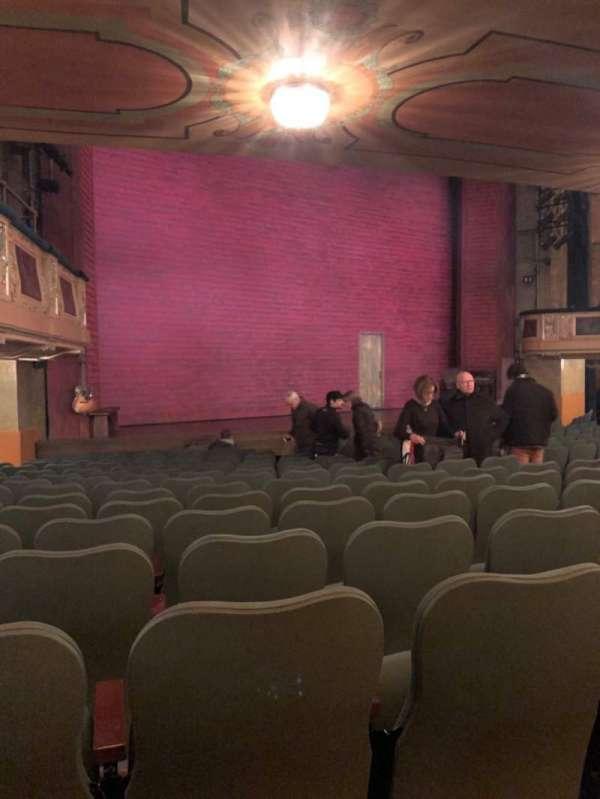 Shubert Theatre, secção: Orchestra L, fila: Q, lugar: 23