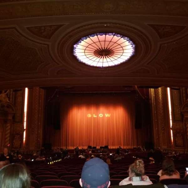 Wang Theatre, secção: Orchestra C, fila: EE, lugar: 105
