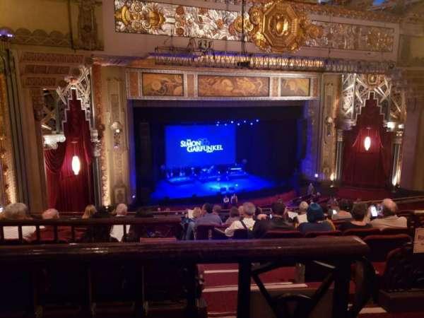 Hollywood Pantages Theatre, secção: Mezzanine L, fila: J, lugar: 1