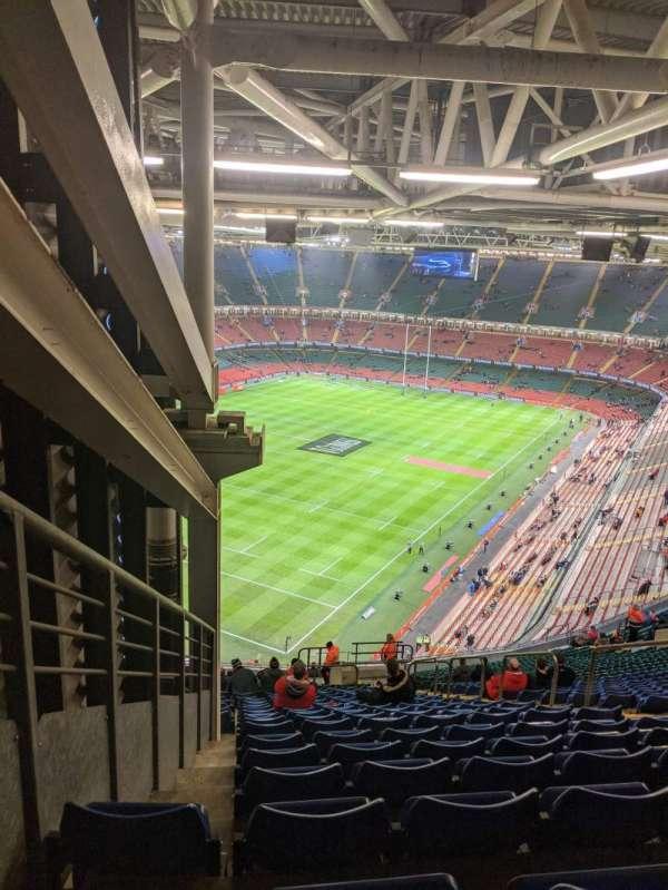 Principality Stadium, secção: U37, fila: 33, lugar: 26