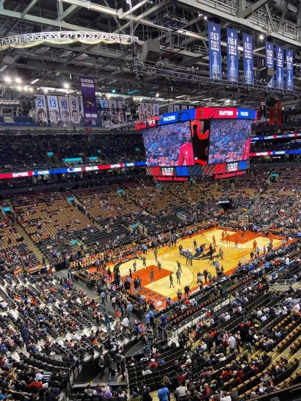 Scotiabank Arena, secção: 324, fila: 3, lugar: 11