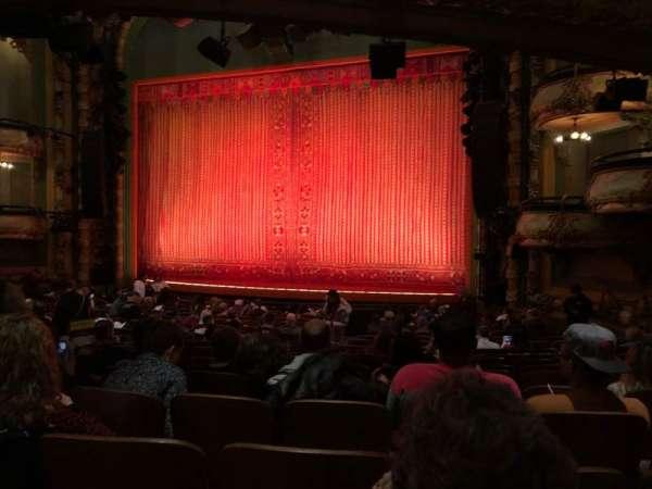 New Amsterdam Theatre, secção: Orchestra R, fila: T, lugar: 18
