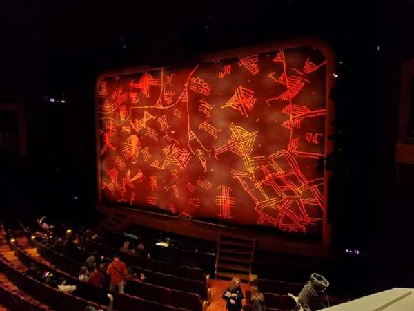 Minskoff Theatre, secção: Mezzanine, fila: CC, lugar: 2