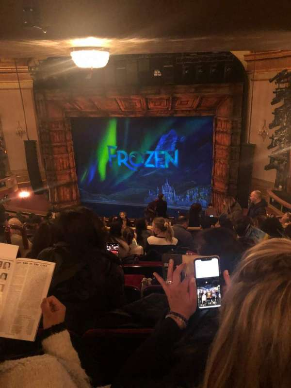 St. James Theatre, secção: Mezzanine R, fila: P, lugar: 16