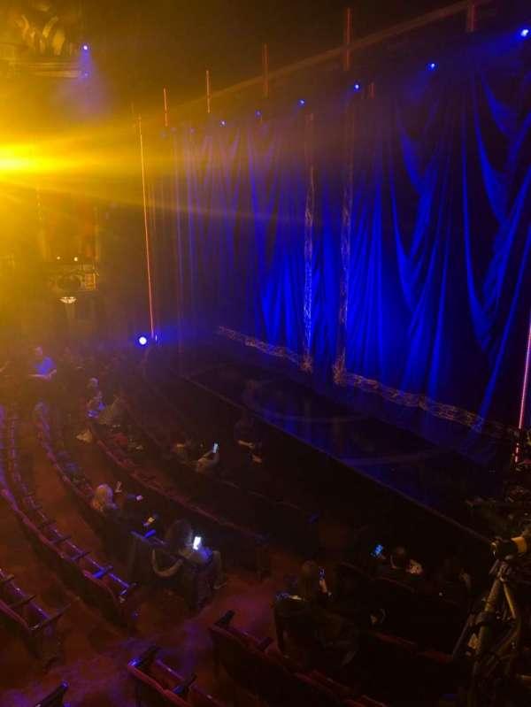 Brooks Atkinson Theatre, secção: Right Box C, lugar: 1