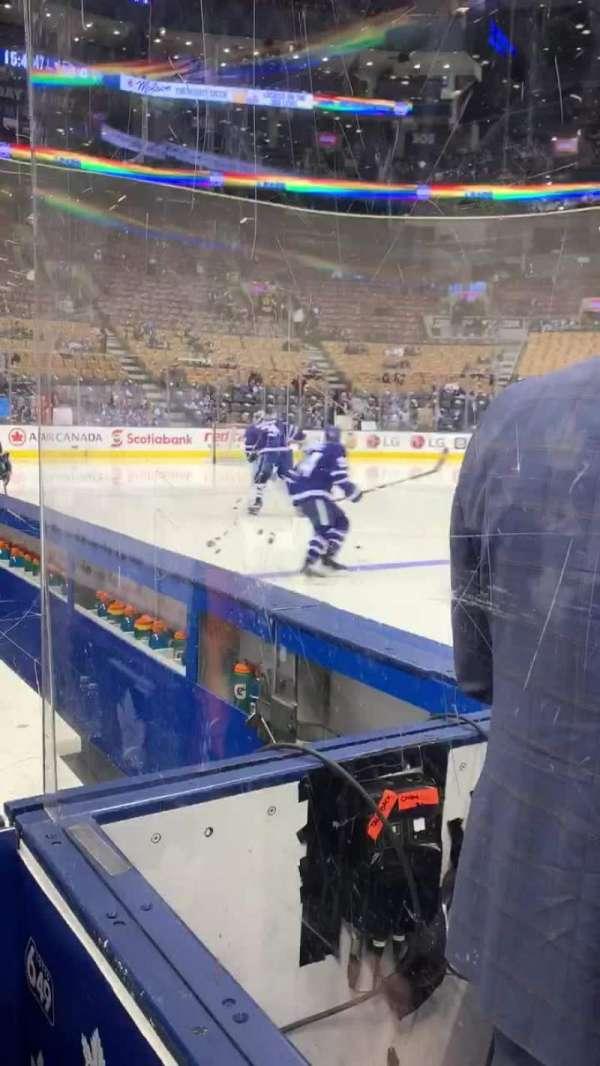Scotiabank Arena, secção: Bench, fila: 1, lugar: W