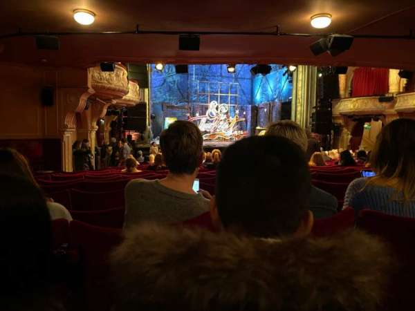 Shaftesbury Theatre, secção: Stalls, fila: W, lugar: 33