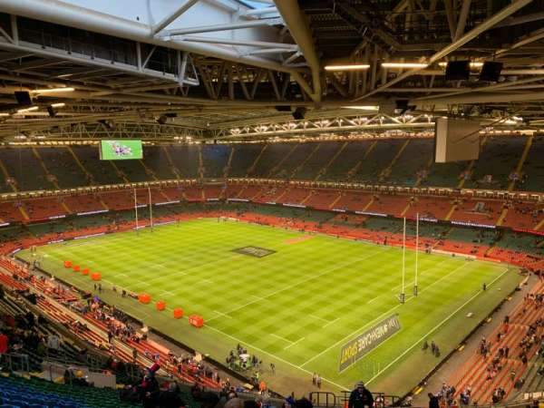 Principality Stadium, secção: U4, fila: 28, lugar: 34