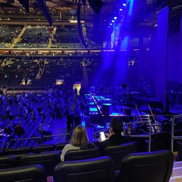 Madison Square Garden, secção: 108, fila: D, lugar: 20