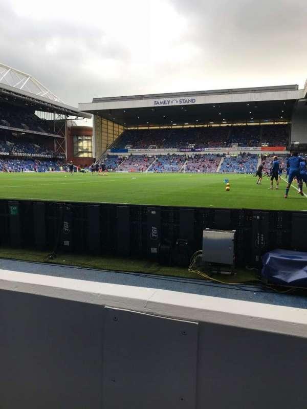Ibrox Stadium, secção: CF1, fila: B, lugar: 115