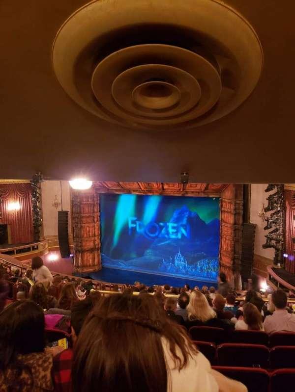 St. James Theatre, secção: Mezzanine R, fila: R, lugar: 16