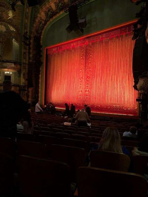 New Amsterdam Theatre, secção: Orchestra R, fila: Q, lugar: 26