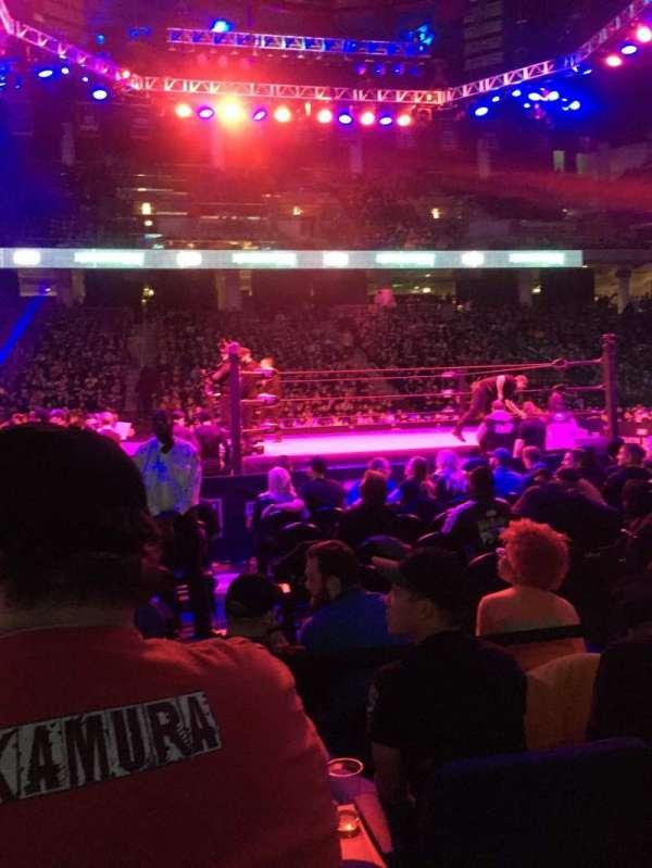 Wintrust Arena, secção: 109, fila: DD, lugar: 12