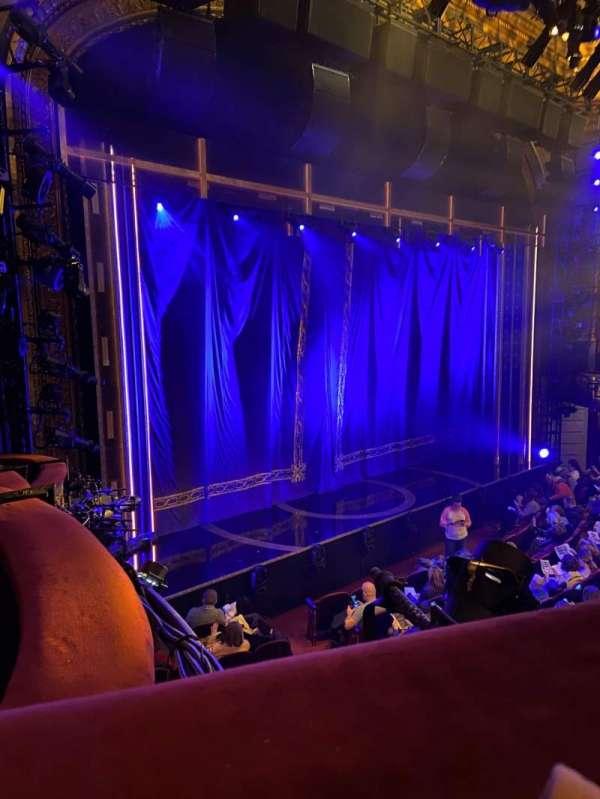 Brooks Atkinson Theatre, secção: Front Mezzanine L, fila: A, lugar: 21