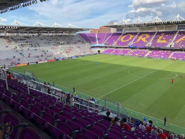 Exploria Stadium, secção: 113, fila: R, lugar: 1