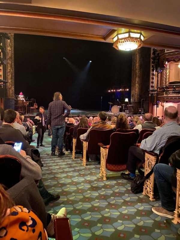 Belasco Theatre, secção: Orchestra L, fila: P, lugar: 1