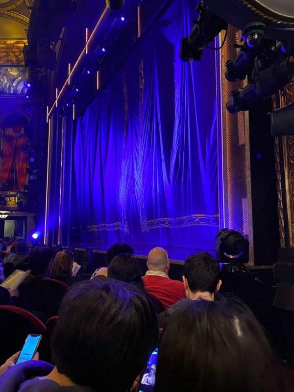 Brooks Atkinson Theatre, secção: Orchestra R, fila: C, lugar: 16