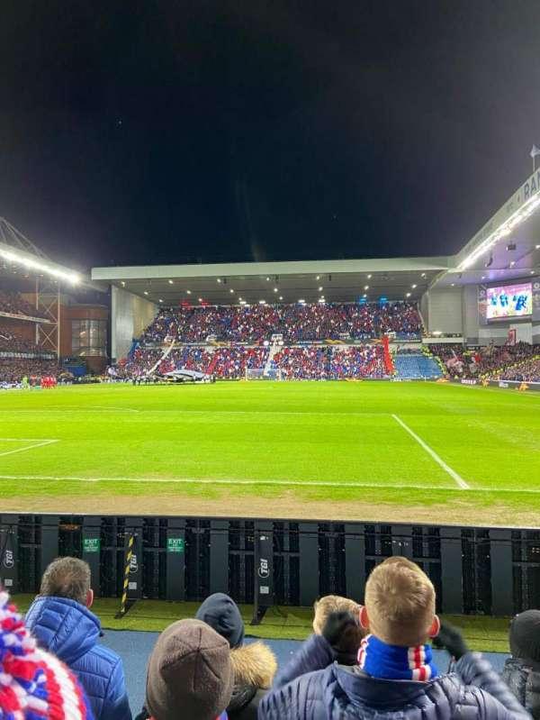 Ibrox Stadium, secção: CF2, fila: D, lugar: 46