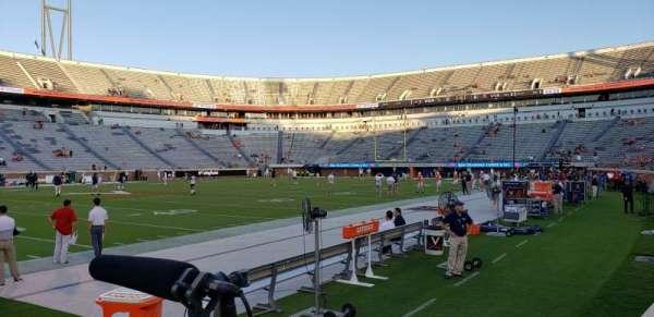 Scott Stadium, secção: 128, fila: B, lugar: 1