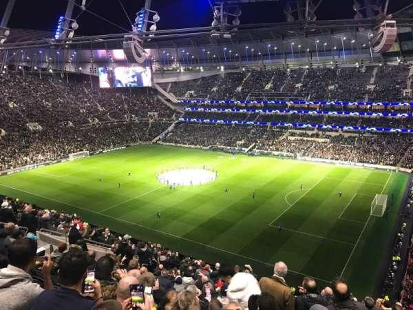 Tottenham Hotspur Stadium, secção: 521, fila: 18, lugar: 74