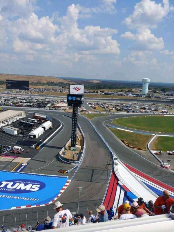 Charlotte Motor Speedway, secção: Ford UT F, fila: 68, lugar: 7