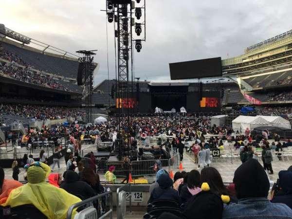 Soldier Field, secção: 124, fila: 8, lugar: 1