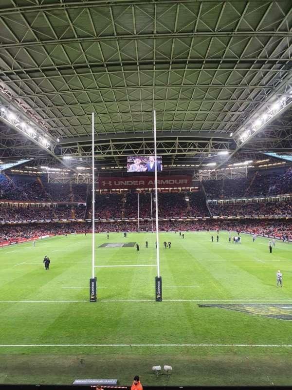 Principality Stadium, secção: M19, fila: 1, lugar: 3