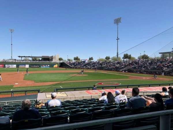Goodyear Ballpark, secção: 107a, fila: Q, lugar: 12