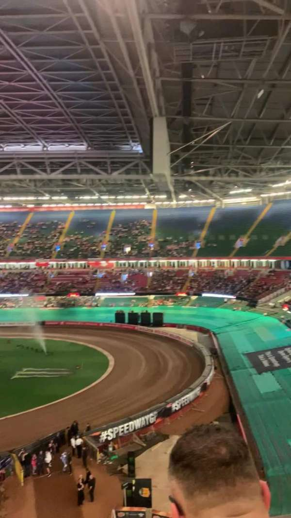 Principality Stadium, secção: U5, fila: 3, lugar: 21