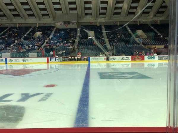 Macon Coliseum, secção: 107, fila: A, lugar: 8