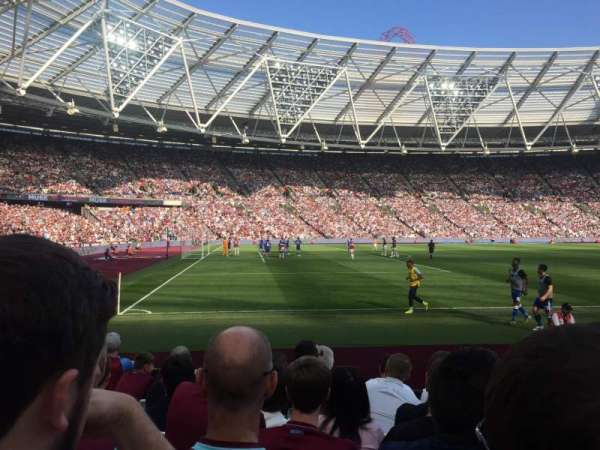 London Stadium, secção: 107, fila: 7, lugar: 112