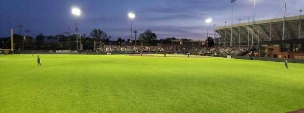Hawkins Field, secção: N, fila: 1, lugar: 21