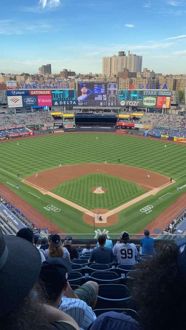 Yankee Stadium, secção: 420B, fila: 10, lugar: 26