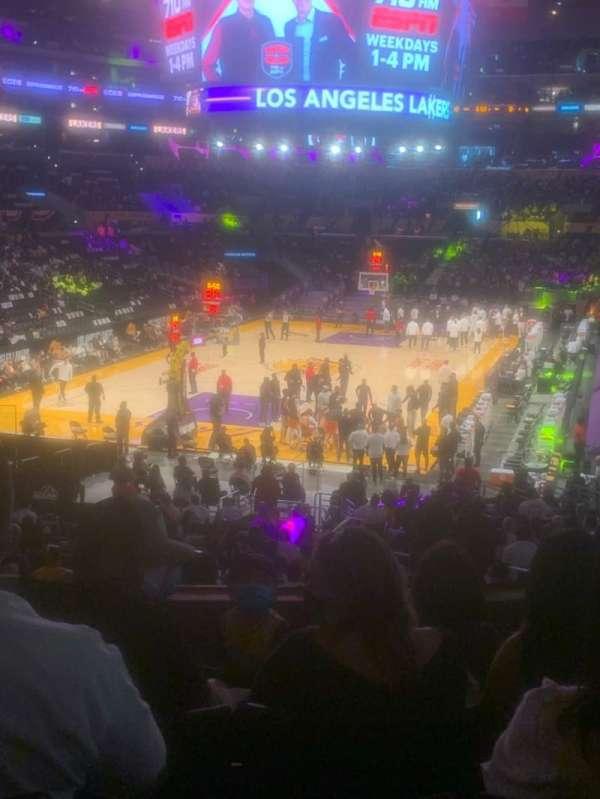 Staples Center, secção: 206, fila: 5, lugar: 7