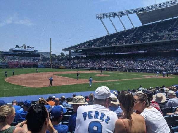 Kauffman Stadium, secção: 117, fila: N, lugar: 3