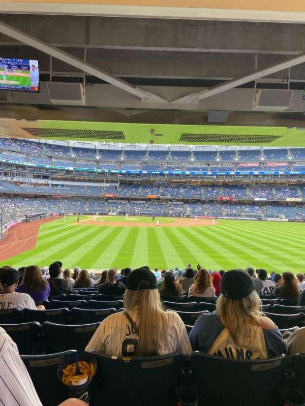 Yankee Stadium, secção: 105, fila: 17, lugar: 16