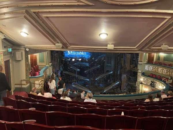 Sondheim Theatre (West End), secção: Dress Circle, fila: K, lugar: 27