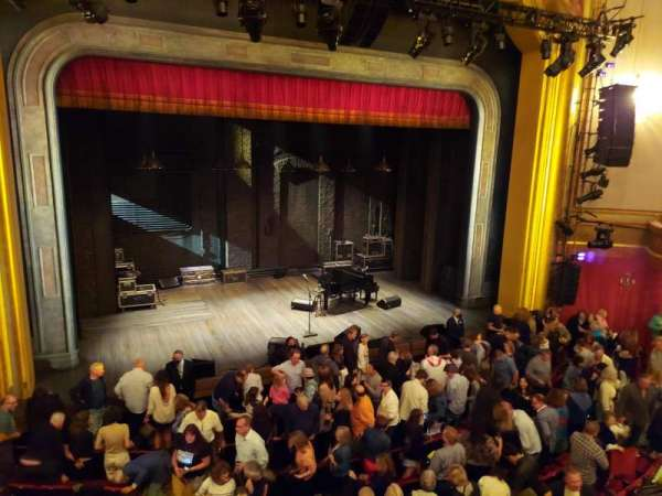 St. James Theatre, secção: Mezzanine L, fila: B, lugar: 1