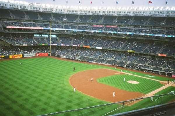 Yankee Stadium, secção: 330, fila: 3, lugar: 21