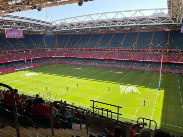 Principality Stadium, secção: U5, fila: 17, lugar: 4