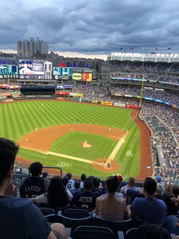 Yankee Stadium, secção: 421, fila: 9, lugar: 21