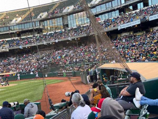 Oakland Coliseum, secção: 123, fila: 3, lugar: 12