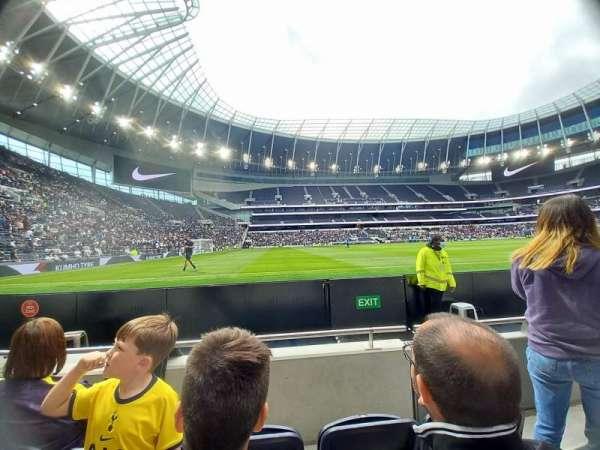 Tottenham Hotspur Stadium, secção: 123, fila: 3, lugar: 722
