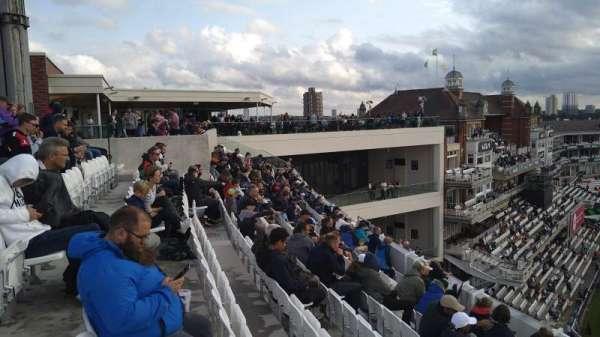 Kia Oval, secção: Lock Balcony, fila: Bar, lugar: Bar