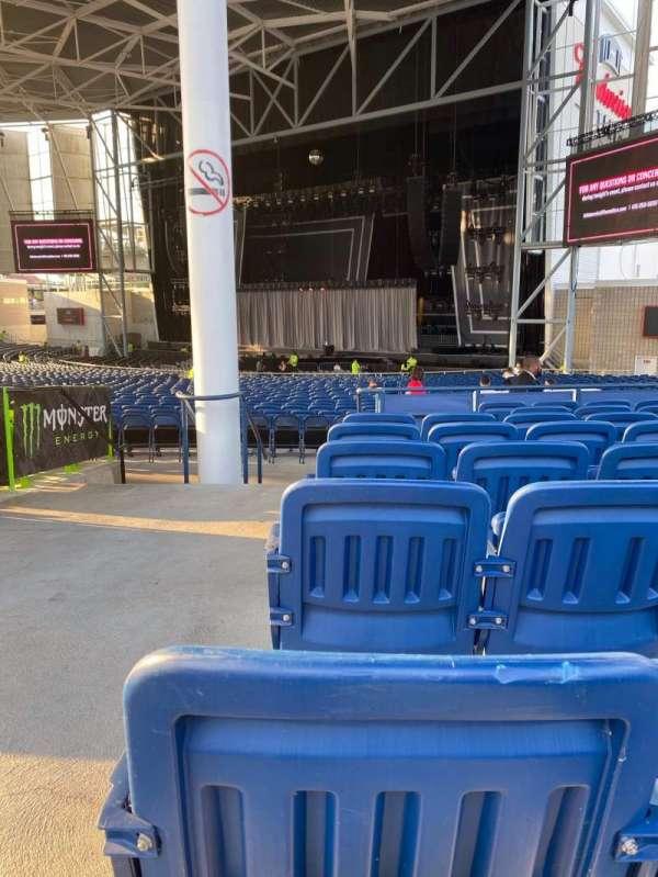 Budweiser Stage, secção: 301, fila: H, lugar: 41
