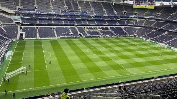 Tottenham Hotspur Stadium, secção: 529, fila: 17, lugar: 920